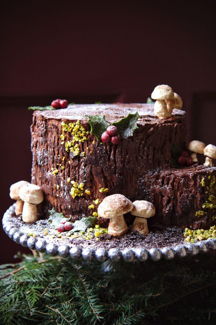 Une Souche de Noël {Stump de Noël: eggnog cake with a maple whiskey soak and chocolate whipped ganache}