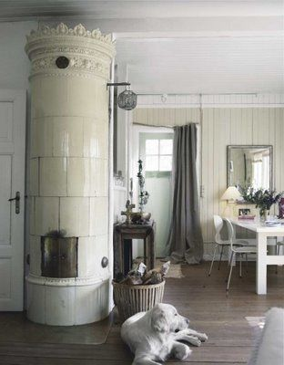 Love the kakelugn (swedish tile stove)