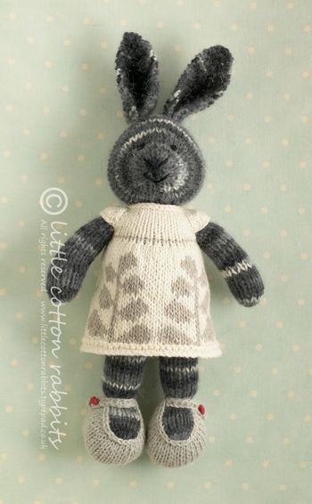 Adorable knitted rabbits