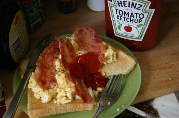 microwave challenge - scrambled eggs & bacon