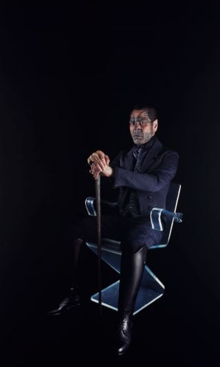 Lisa Reihana, Victor sitting (from 'Digital Marae' series) 2001