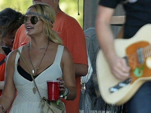 Miranda Lambert watching boyfriend Anderson East performance                                                                                                                                                                                 More