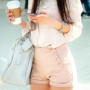 shorts de tiro altoFashion, Summer Outfit, Style, High Waisted Shorts, Pale Pink, Buttons, Pastel Colors, Bags, High Waist Shorts