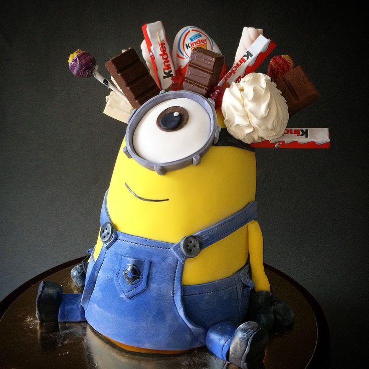 minion cake with chocolate