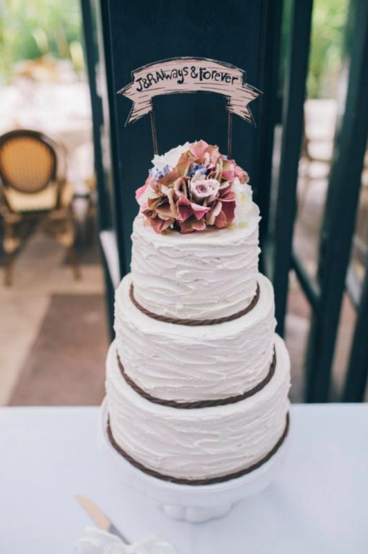 Gorgeous cake flowers by Willoughby Road Florist. Cake by Sweet Bites Cakes