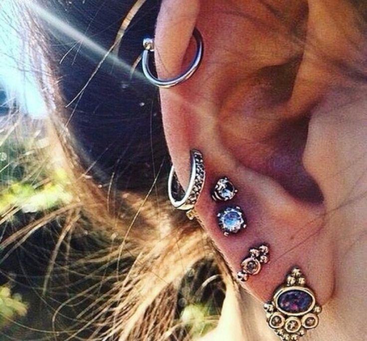 boucles d'oreilles et piercings ☆                                                                                                                                                                                 Plus