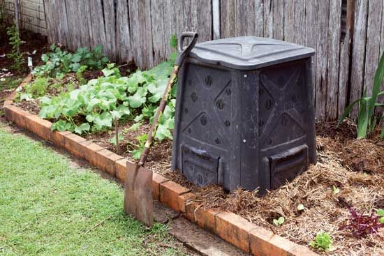 Choose the Best Compost Bin - Organic Gardening - MOTHER EARTH NEWS