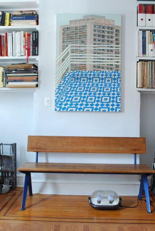 Me encantan los colores que predominan en esta casa El rojo el verde, el azul, sin mezclas Quiero decir, el rojo es el rojo-rojo de toda la vida, el azul azul, el verde verde… Combinados con la madera oscura de algún mueble y el paquet del suelo… me chiflan! La casa lo tiene todo, como […]