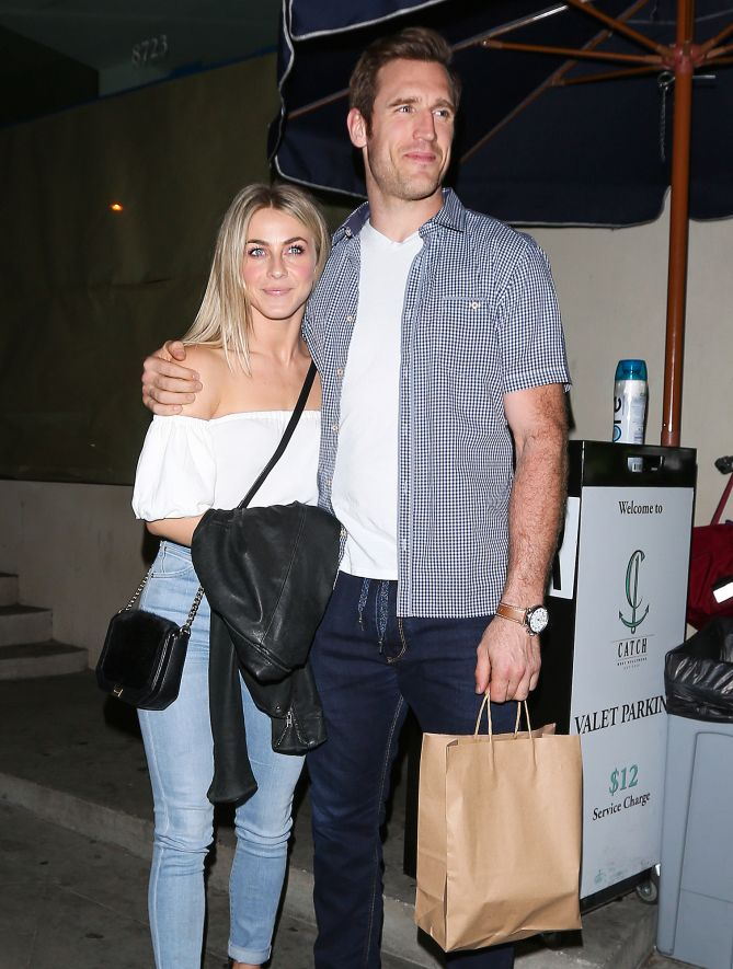 DATE NIGHT      Julianne Hough and fiancé Brooks Laich dine at Catch restaurant in West Hollywood.  Star Tracks: Monday, April 3, 2017