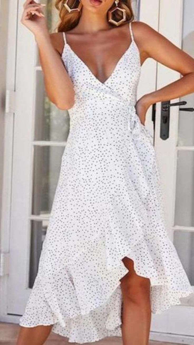 Elegant Summer Outfits, Summer Wedding Outfits, Beach Outfits, Summer Casual Dresses, Dresses To Wear To A Wedding, Casual Dress Outfits, Summer Dress Outfits, Party Dresses For Women, White Outfits