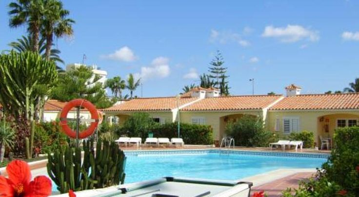 Bungalows Adonis Playa del Ingles Located 5 minutes' walk from the nearest beach in Playa del Inglés, Bungalows Adonis features outdoor pools and a sun terrace with sun loungers. Free WiFi is available throughout.
