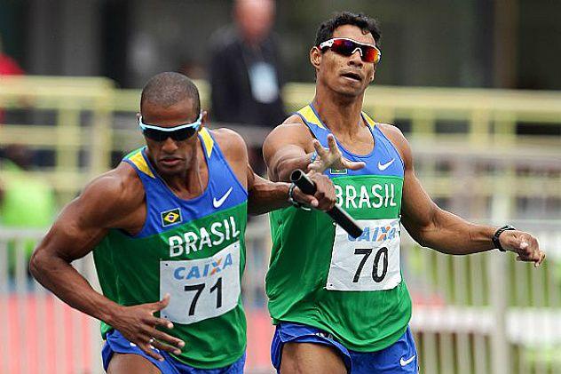 Atletismo: Brasil define equipe para o Mundial de Revezamento Competição será disputada entre os dias 24 e 25 de maio, em Nassau, nas Bahamas. Vinte brasileiros estão inscritos, no masculino e feminino, para os revezamentos 4 x 100m e 4 x 400m  A Confederação Brasileira de Atletismo (CBAt) divulgou nesta quarta-feira (14.05) os representantes do país no Cam...