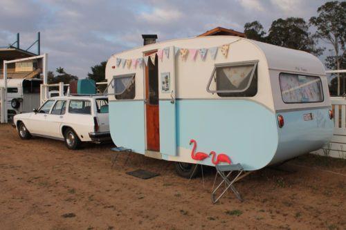 Vintage Caravan 1961 Franklin
