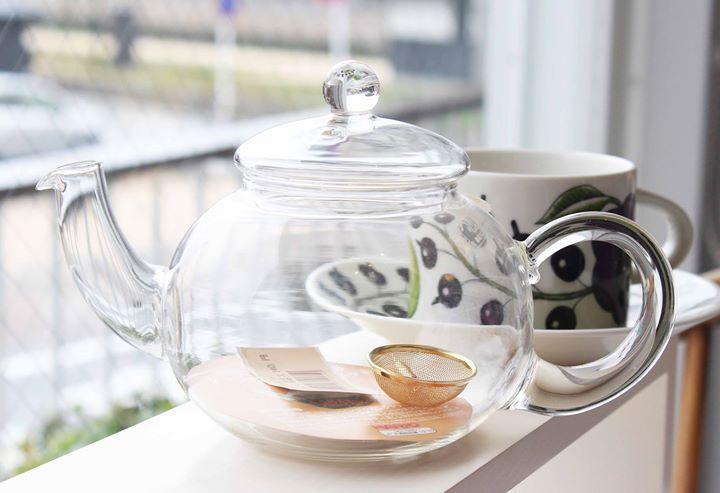 耐熱ガラスのティーポット ポットの中で茶葉が踊るのを眺めながらひと時を過ごしませんか #ポット #紅茶 #洋食器 #食器 - http://ift.tt/1HQJd81