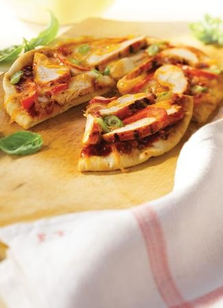 Zesty BBQ Turkey Mini Pizzas with Diana Sauce�
