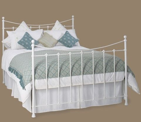The Colorado Wrought Iron Bed is elegantly simple with is fine balanced lines and historic castings, it represents superb value for money. The base is extremely strong and robust, constructed from heavy gauge steel and beech sprung slats. It is available in satin white (as shown) or satin black as standard however comes in a range of other finishes for £50.00. The bed is suitable for individuals weighing up to 26 stone / 165Kg but can be tailor made for higher weights.