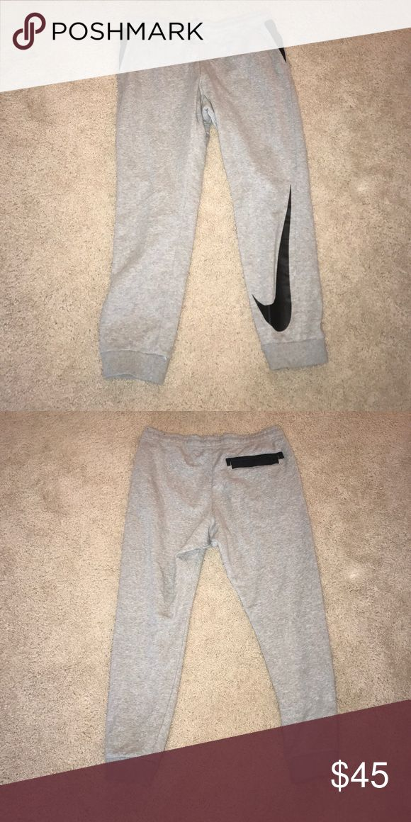 Nike Men's Fleece Logo Jogger Pants Nike Men's Fleece Logo Jogger Pants - Brand New! Never worn Nike Pants Sweatpants & Joggers
