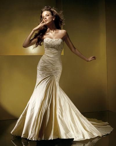 Платье невесты цвета шампанского