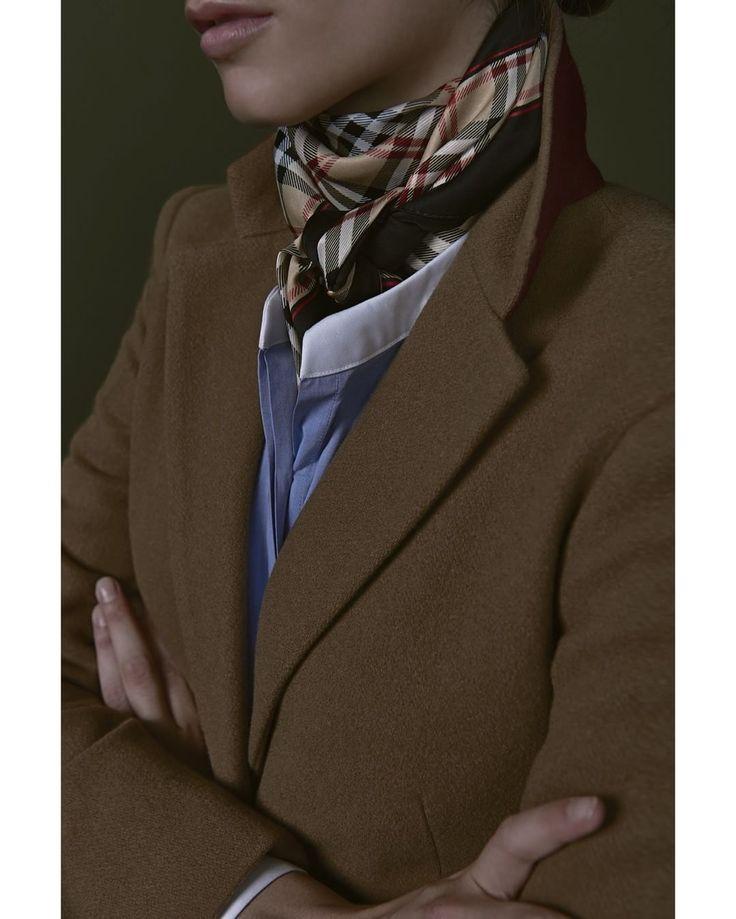 """""""Pañuelo, camisa y un abrigo, la combinación perfecta para esta temporada. @savillerowofficial #savillerow #savillerowofficial #Woman #look #AW2016"""""""