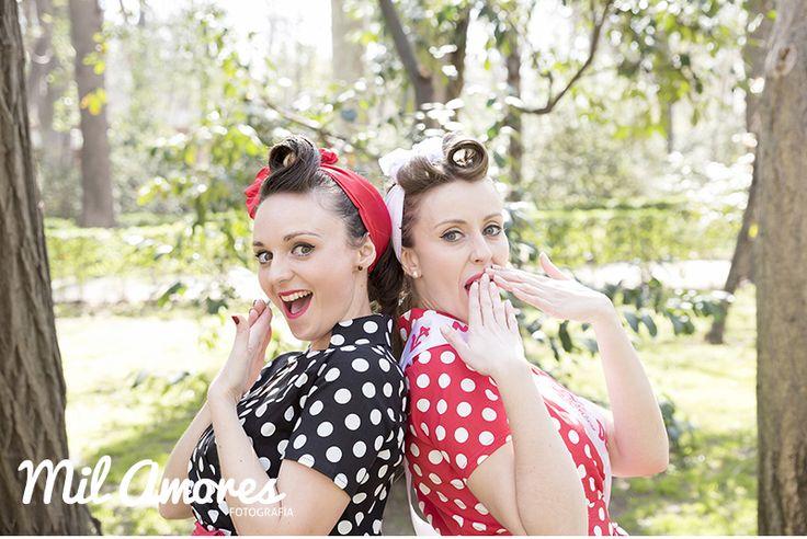 Sesión fotos novia con amiga estilo pin-ups despedida de soltera en El Retiro Madrid