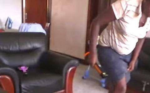 EPIRUS TV NEWS: Σοκαριστικό βίντεο. Δείτε πώς η νταντά χτυπάει με ...