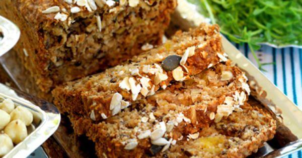 Ett saftigt och nyttigt bröd som håller magen i form och mättar länge. Dessutom är det förföriskt gott. /Ulrika Davidsson