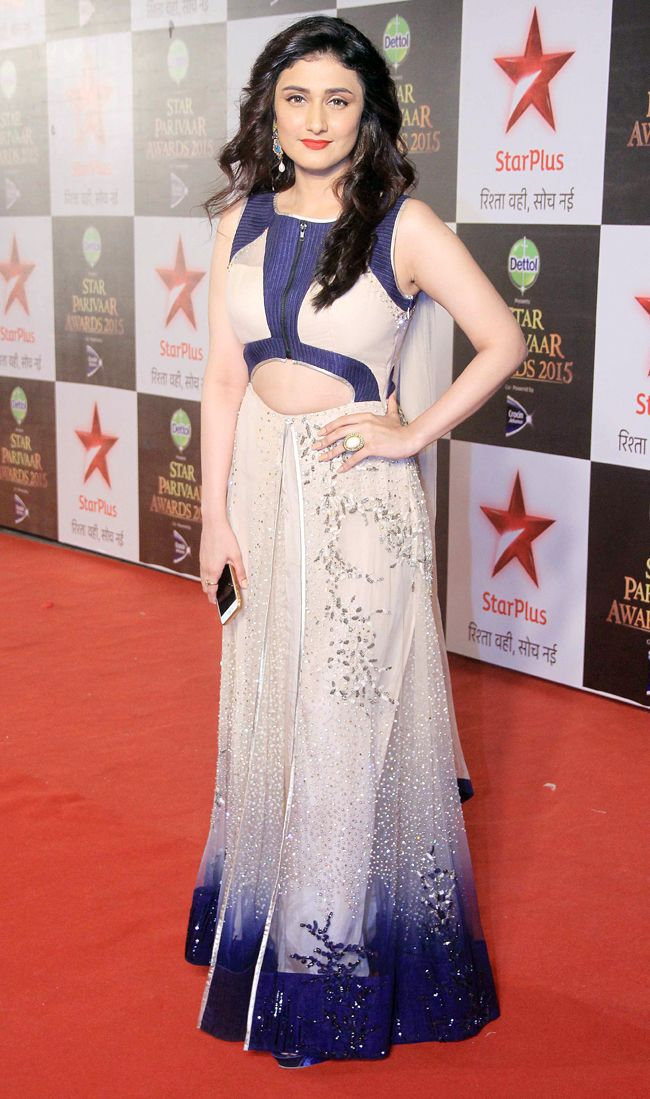 Ragini Khanna at the 15th Star Parivaar Awards. #Bollywood #Fashion #Style #Beauty