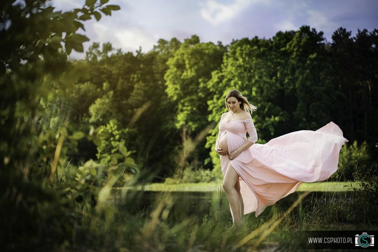 A beautiful mommy to be <3 | Maternity Photography by Creative Solutions | www.csphoto.pl