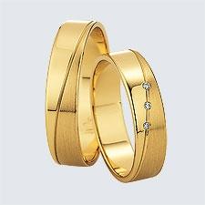 Verighete din aur galben cu design modern. Pot fi realizate din aur alb, aur galben sau aur roz. La cerere sunt posibile şi alte modificări.