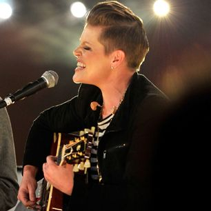 Natalie Maines: A Dixie Chick Declares War on Nashville | Rolling ...