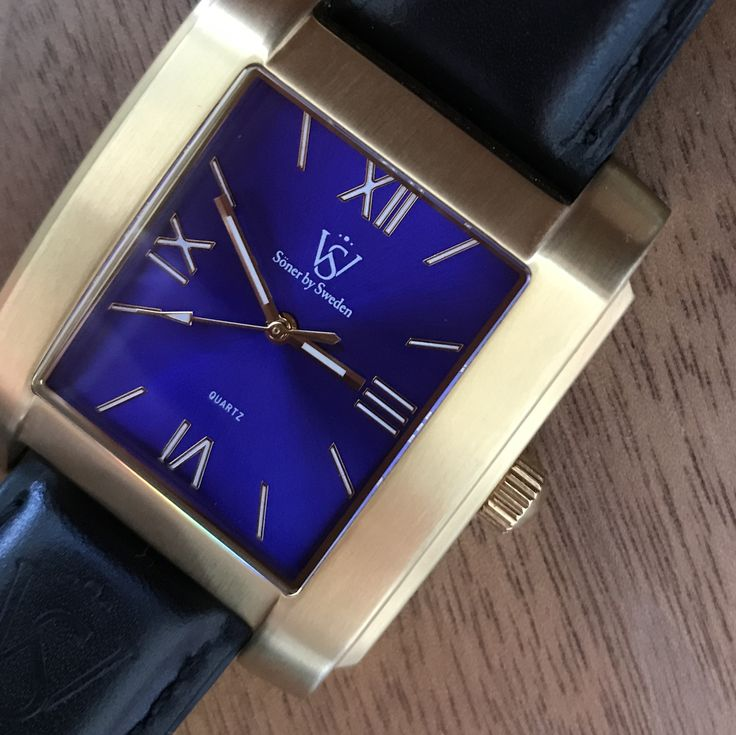 Brushed gold and roman dial.   - Söner by Sweden Style is personal // urban men // mens fashion // mens wear // mens accessories // casual men // mens style // urban living // gift ideas for him // gift ideas for men // quotes // for him // Father's Day // watches // mens warches // men watches // watches for men // men's watch  http://sonerbysweden.com
