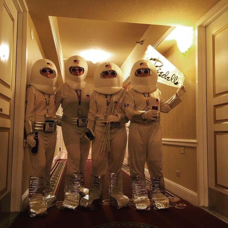 Super Legit Lunar Expert Exploration Crew. United Skates of America.  #rollercon2017 #riedellparty #spacejam #rollercon #myboutbook