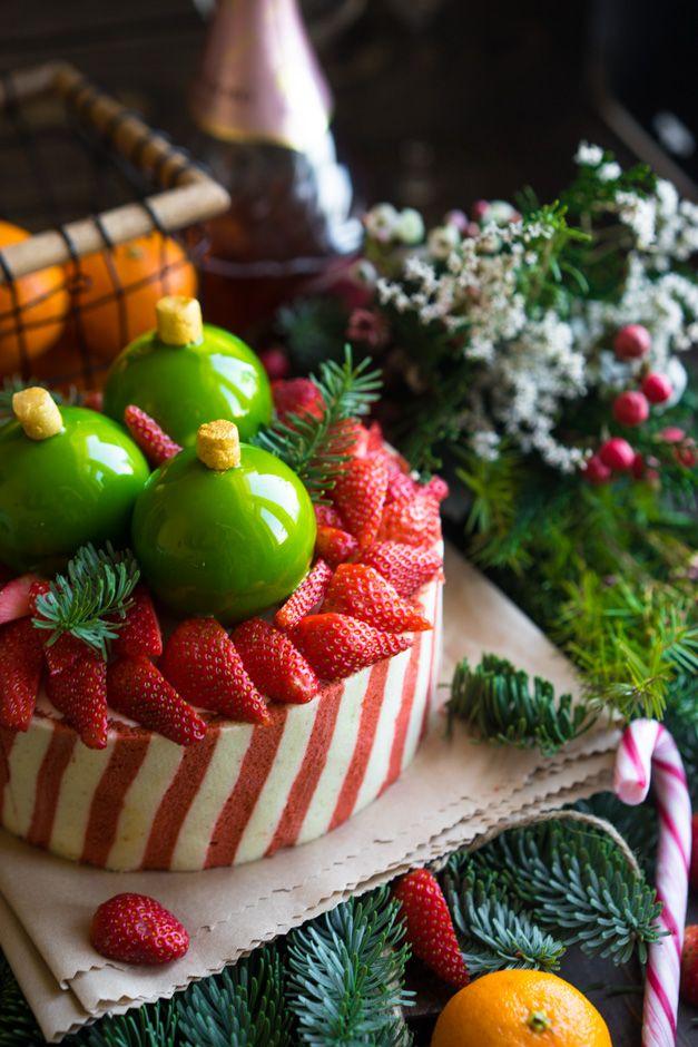 Новый Год не может обойтись без подарков и праздничных десертов. У меня для вас есть и то и другое! Какие у нас ассоциации с этим праздником?Я взял самые яркие архетипы и упаковал их в нечто праздничное, красочное и необычное. Вы начнете знакомство с этим тортом с нежнейшего воздушного мусса, который настолько бархатистый, что в какой-то...