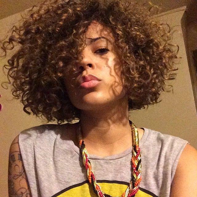 Live this color! Honey hair Curls Medium Short cut Bob-ish