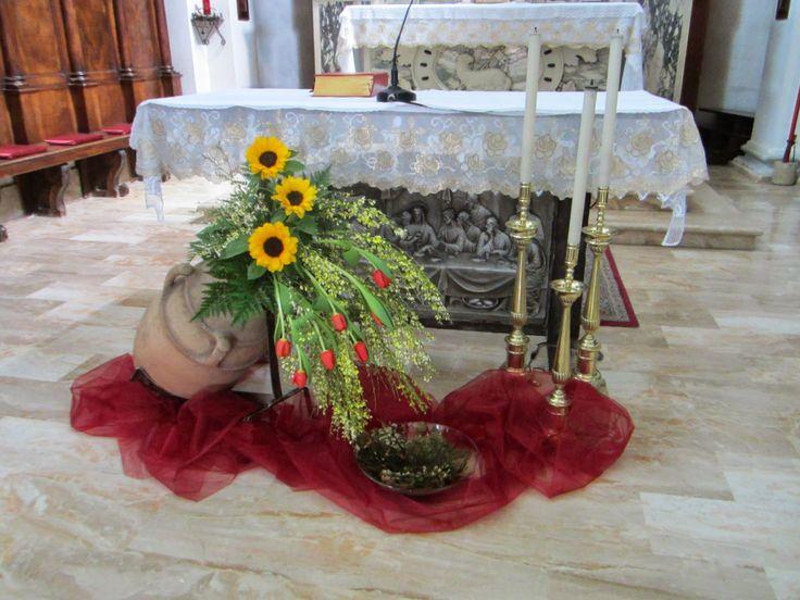 Risultati immagini per addobbi floreali chiesa per cresima