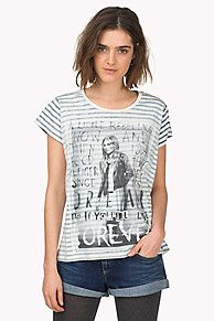 Striped crew-neck tee with an inverted design. A perfect basic solo or as a layer with an eye-catching Hilfiger Denim photo print on the front. Soft and lightweight jersey tee. <br/><br/>Our model is 1.76m and is wearing a size S Tommy Hilfiger T-shirt.