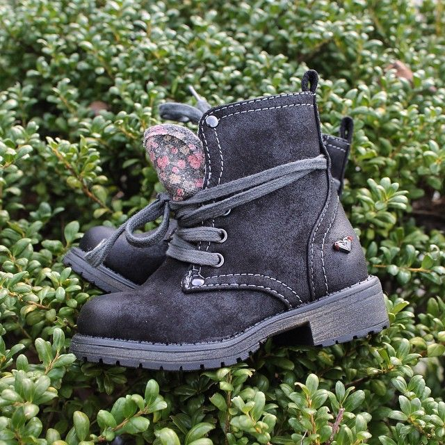 Adorable new arrivals from Roxy for toddler girls! These must-have boots come in size 5-10.