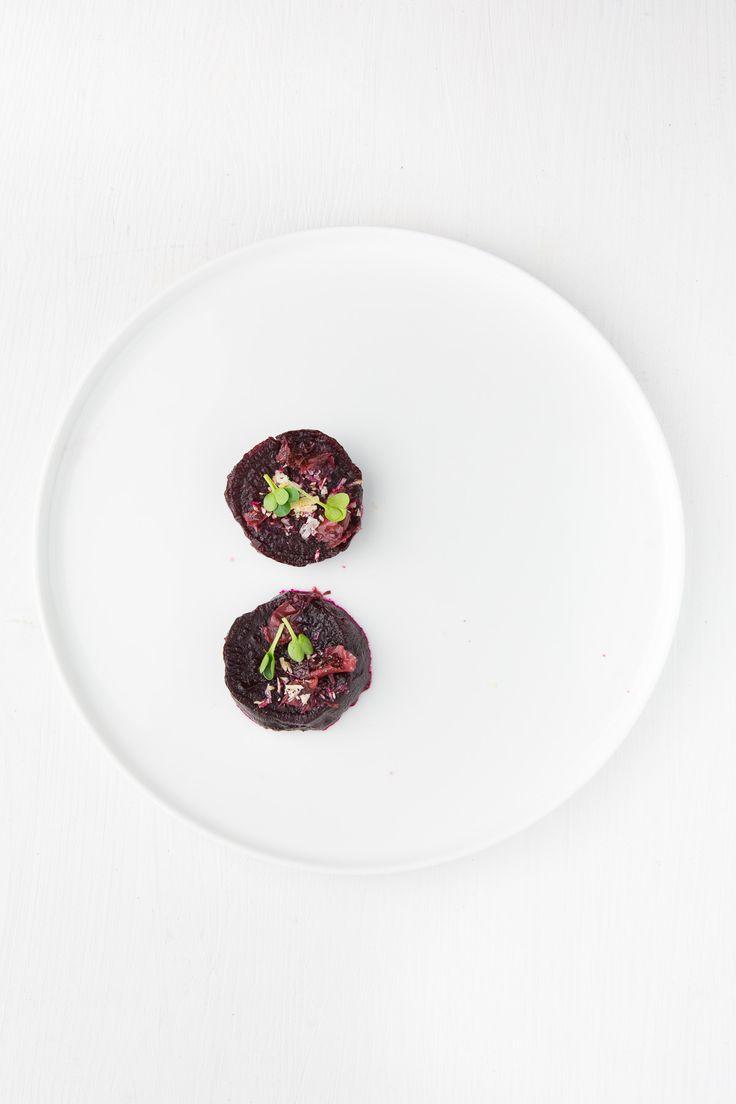 rote bete, einlegen, weihnachten, vorspeise, appetizer, plating, foodblogger , fine dining, haselnuss, rosenblüten