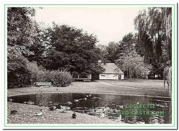402070: Het museum van Duin en Bosch in de boerderij, ook was hier het theehuis gevestigd en was het vlak na de oorlog het eerste onderkomen van de padvinders van de Bogeheimers