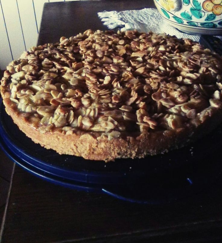 Mum's Apple pie with almond #sweets #baked #applepie #almond #homesweethome #loveit