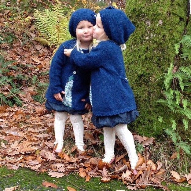 Emelina jakke, oppskrift via Be Charmed av JMHK. Click on the image to see more!