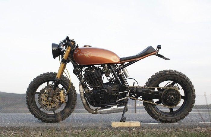 Honda XL600R. Tag the owner . . #caferacer #hondacb #honda #motorcycle #style #beautiful #mcm #hondacafe #hondacaferacer #hot #vintage #engine #instagood #photooftheday #fashion #bestoftheday #swag...
