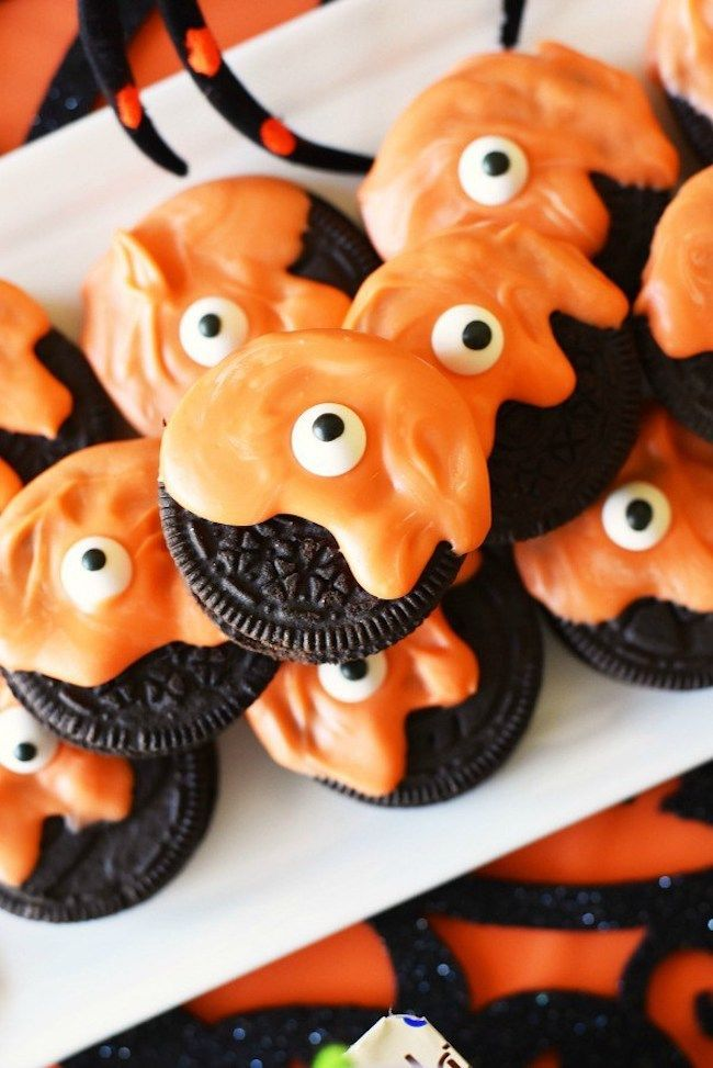 Spooky Halloween recipes: Monster Oreo cookies at Sizzling Eats