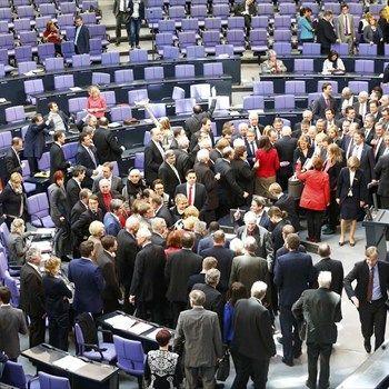Γερμανία: Εγκρίθηκε με ευρεία πλειοψηφία η παράταση