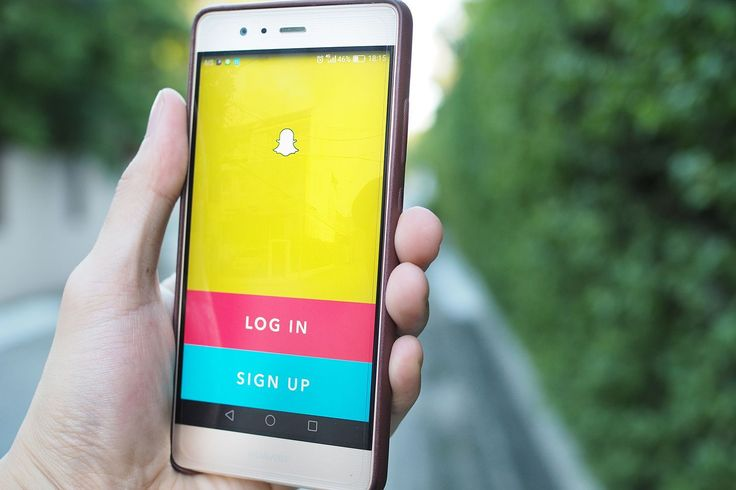Take your Snapchat privacy seriously. Here are 10 important security tips that every Snapchat user should know about.