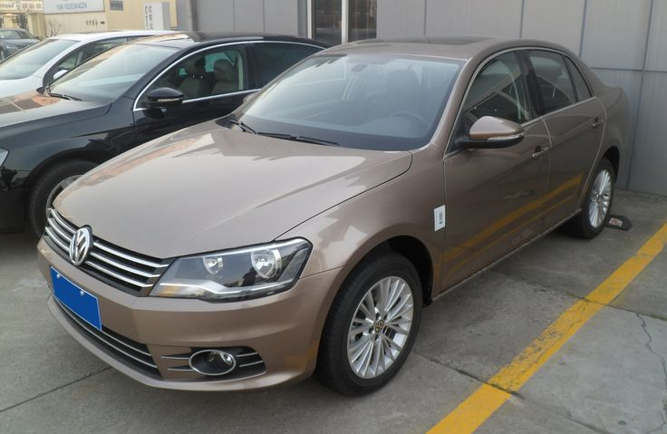 Volkswagen Bora II facelift 2 China 2013-03-04 - Volkswagen Bora (2007) — Wikipédia