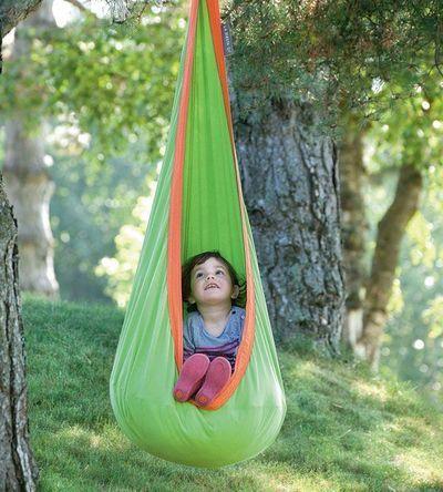 Jeux d'extérieur pour les enfants : cabane dans les arbres, bac à sable, mini potager... - CôtéMaison.fr