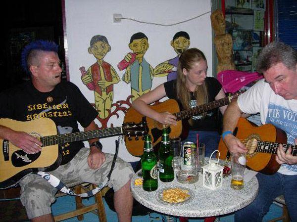 Steve's Music Bar in Anaxos