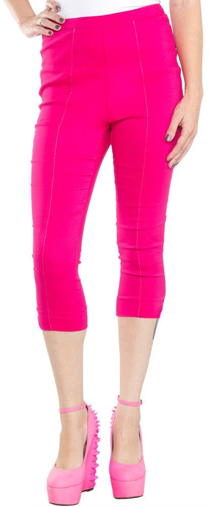 SOURPUSS SUGAR PIE CAPRIS PNK Sourpuss brings you Sugar Pie Capris! These high-waist, pink capri bottoms with embroidered pink bow in back are flattering for all shapes and sizes with their classic vintage shape. Zips up the back. $42.00 #sourpuss #sourpussclothing #capris #pink #highwaisted