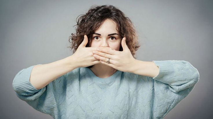 Ağız Kokusu Tedavisi İçin 7 Pratik ve Basit Öneri!  Bazen uzun süre aç kalma, bazen ise ihmal edilen diş bakımı neticesinde oluşan ağız kokusu insanların hayatını olumsuz etkileyen bir durumdur.